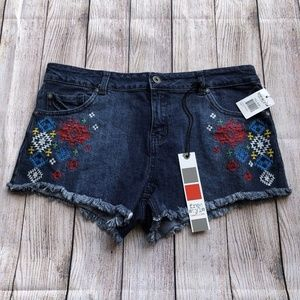 Freestyle Revolution Embroidered Jean Shorts - 11